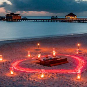 Luxury Maldives Holidays Fairmont Maldives Sirru Fen Fushi Romantic Beach Dining1