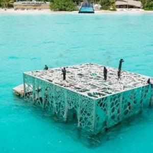 Luxury Maldives Holidays Fairmont Maldives Sirru Fen Fushi Underwater Art Gallery