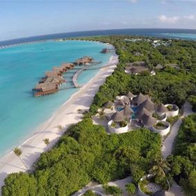 Luxury Maldives Holidays Hideaway Beach Resort Thumbnail1