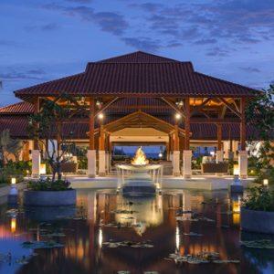 Luxury Sri Lanka Holidays Shangri La's Hambantota Golf Resort & Spa Entrance