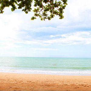 Luxury Thailand Holidays The Sarojin Wedding Couple On Beach