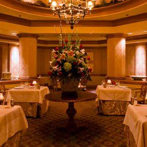 Victoria & Albert's Dinner Queen Victoria Room Disney's Grand Floridian Resort & Spa, Orlando Orlando Holidays
